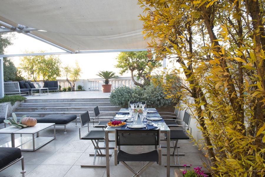 In terrazza come in giardino ristrutturazione di una for Idee terrazza giardino