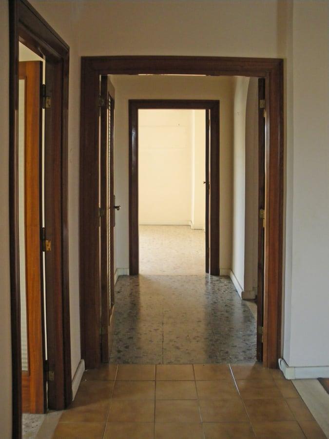 Vista del corridoio, prima dei lavori