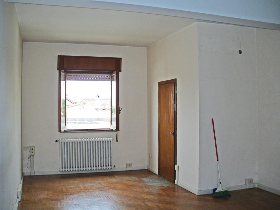 Vista della sala, prima dei lavori