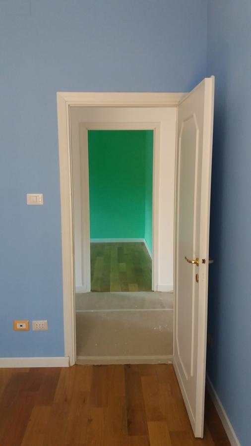 Vista delle due pareti colorate