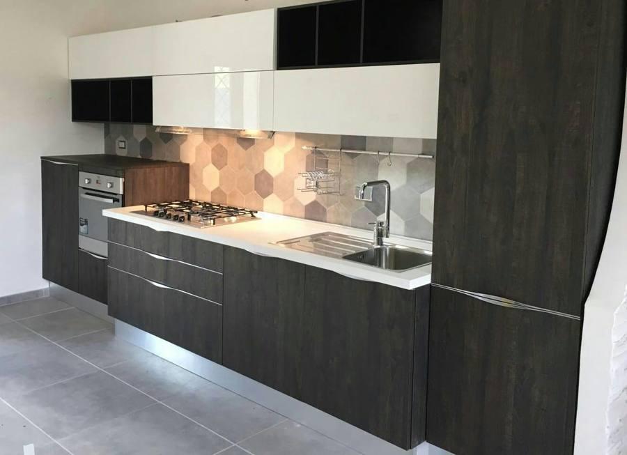 Cucina su misura idee mobili - Mobili cucina su misura ...