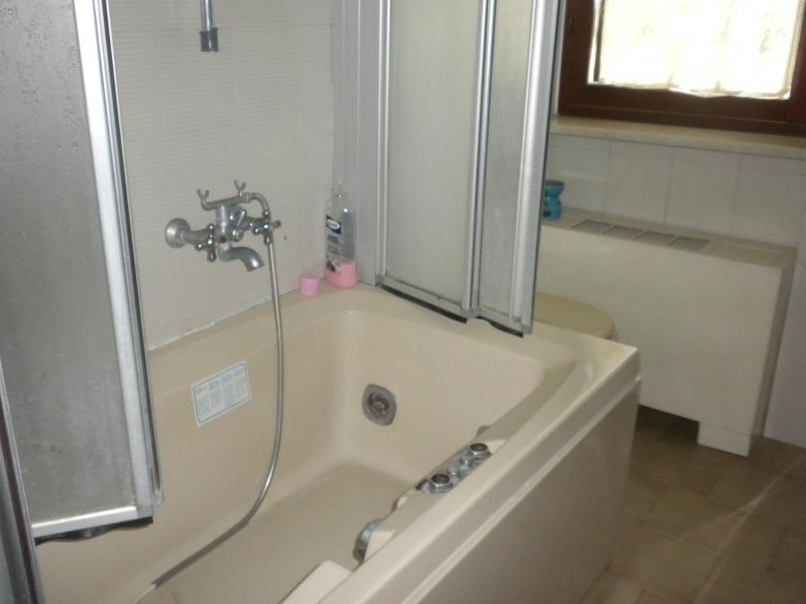 Residenza privata rifacimento completo di bagno padronale idee ristrutturazione bagni - Termoconvettore bagno ...