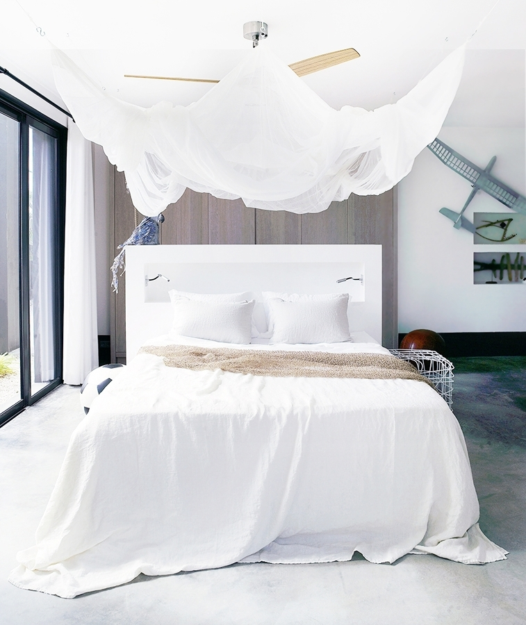 Foto zanzariera in camera da letto moderna di valeria del treste 327309 habitissimo - Zanzariera letto ...