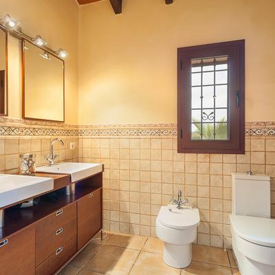 Idee e foto di bagni rustici per ispirarti habitissimo - Accessori bagno rustici ...