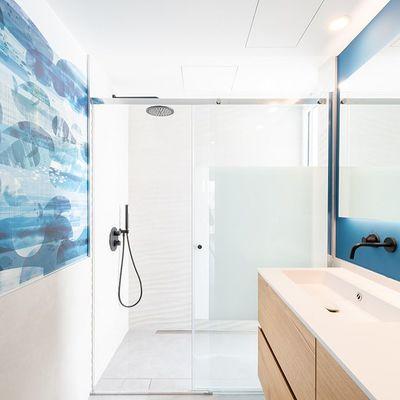 10 idee per cambiare il piatto doccia (e rendere più bello il tuo bagno!)