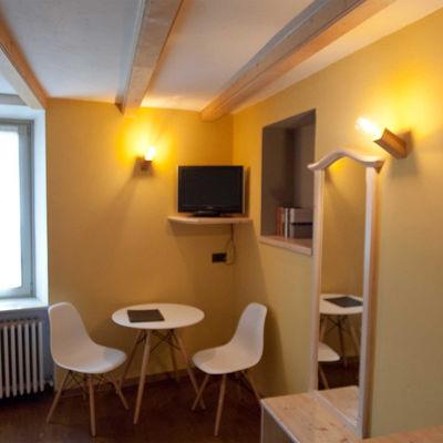 Illuminazione Hotel con Lampade in legno di castagno