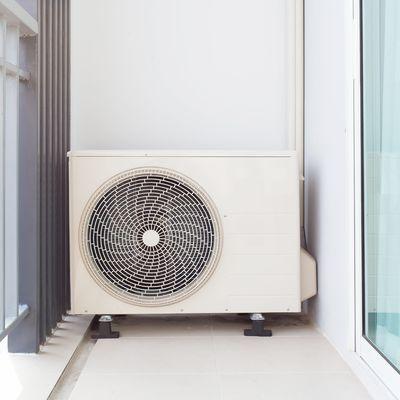 Aria condizionata o ventilatori da soffitto?