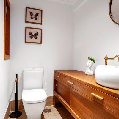 Come disporre sanitari e arredi in un bagno lungo e stretto