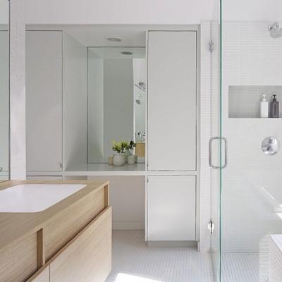 7 bagni bianchi da vedere prima di ristrutturare il tuo