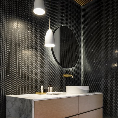 Mosaico in bagno : 7 applicazioni in e 1 out