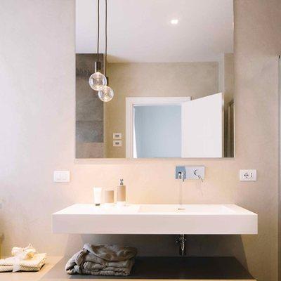 Rivestire un pavimento in resina a monza costi e idee - Resina rivestimento bagno ...