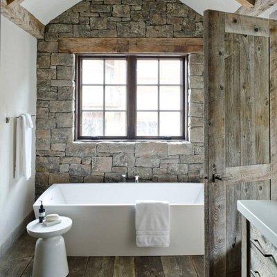 Bagni rustici: fascino naturale in casa
