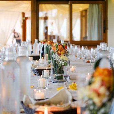 Trucchi per creare le decorazioni per il tuo matrimonio, con pochi soldi e molto stile!