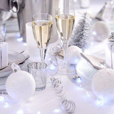 Table setting: apparecchia la tavola per le feste