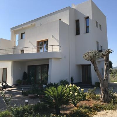 Villa bifamiliare a Solanto