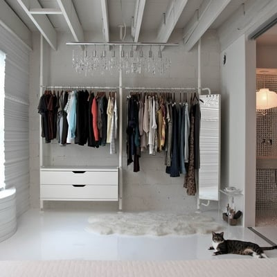 Come organizzare armadio secondo il metodo Marie Kondo