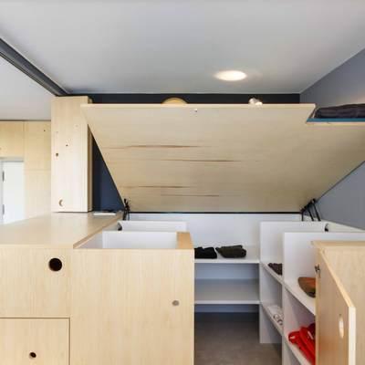 Cabina armadio integrata nel nucleo letto
