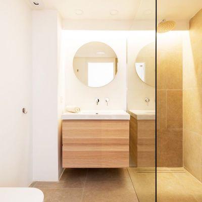 7 modi per dipingere il bagno con vernici naturali