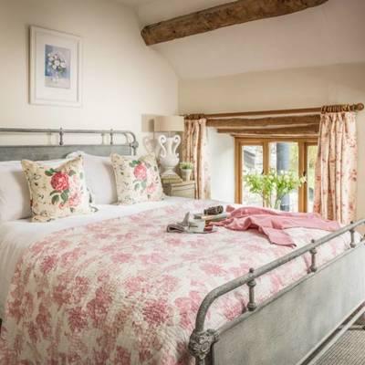 Idee e foto di camere da letto in stile romantico per ispirarti habitissimo - Divano letto stile country ...
