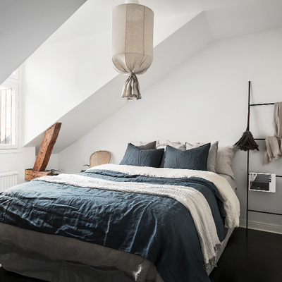 Top camera da letto mansardata with imbiancare camera da letto for Imbiancare camera da letto