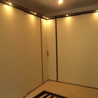 Progetto mobili camera da letto rovere