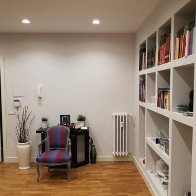 libreria in cartongesso ,soffitto, parquet,e rasatura e verniciatura con lavabile