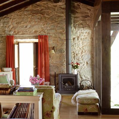 Idee e foto di arredamenti case rurali per ispirarti for Immagini di arredamenti case