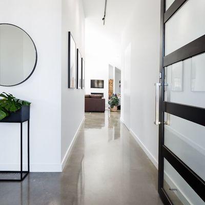 5 idee per migliorare un corridoio anonimo