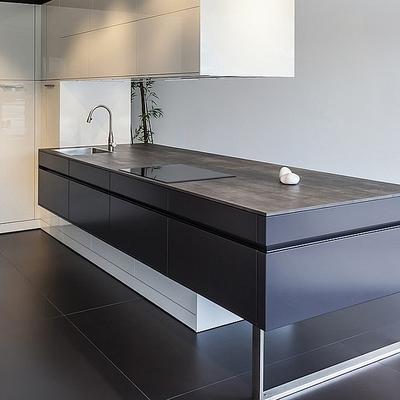 Idee e foto di isole per cucine nere per ispirarti - Cucina bianca e nera ...