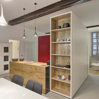 Un  appartamento rinnovato grazie ad un'originale divisione degli spazi