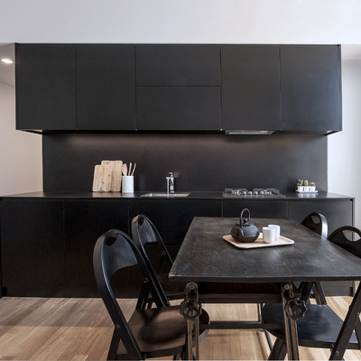 Progetto nero su bianco: ristrutturazione di un appartamento a Milano (MI)