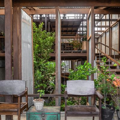 Ristrutturazione low cost di una casa-giardino in Vietnam