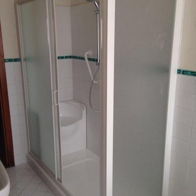 progetto Sostituzione di una vasca cm 70x170 con una doccia stesse dimensioni adatta disabili