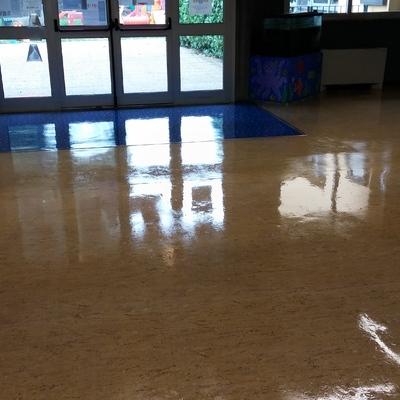 Deceratura e ceratura pavimento in PVC Asilo Infantile