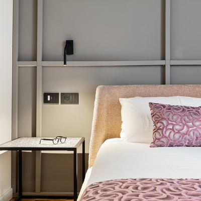 Un eclettico appartamento con terrazza