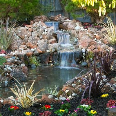 fontana con cascata per il giardino
