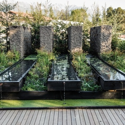Idee e foto di giochi d 39 acqua per giardini per ispirarti for Laghetti da giardino in plastica