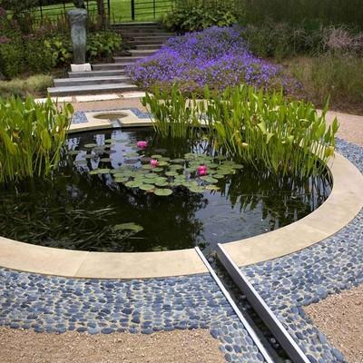 Idee e foto di giochi d 39 acqua per giardini per ispirarti habitissimo - Laghetti da giardino ...