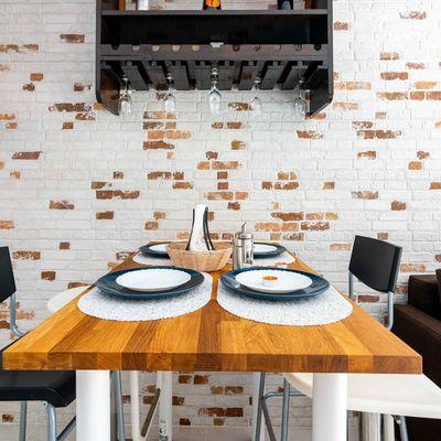 7 Consigli per scegliere il tavolo più adatto alla tua sala da pranzo