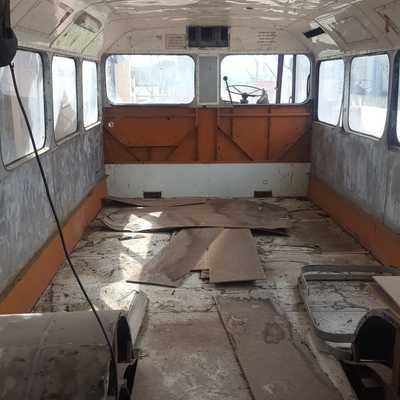 La ristrutturazione di un vecchio bus per creare un'originale casa vacanze