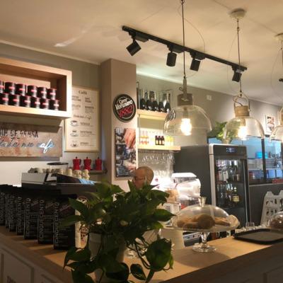"""Ristorante Pizzeria """"ROSSOPOMODORO"""" presso Centro Commerciale """"Meridiana"""" di Casalecchio di Reno (BO)"""