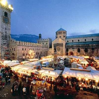 Mercatini di Natale: si accendono le luci in tutta Italia