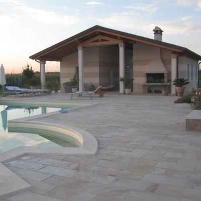 Ristrutturazione depandance con piscina