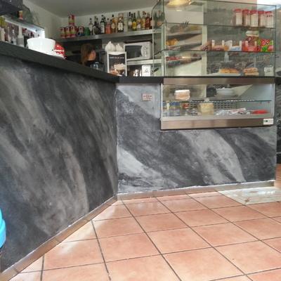 Rifacimento bancone di un bar in Pietra Spaccata