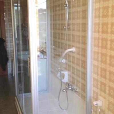 Trasformazione vasca in doccia presso cliente Monza e Brianza