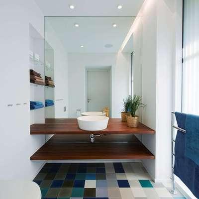 Le piastrelle di diverse tonalità indicano la palette su cui costruire l'ambiente