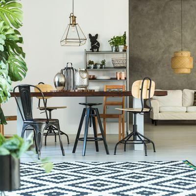 Vuoi un soggiorno di tendenza? Combina gli stili!