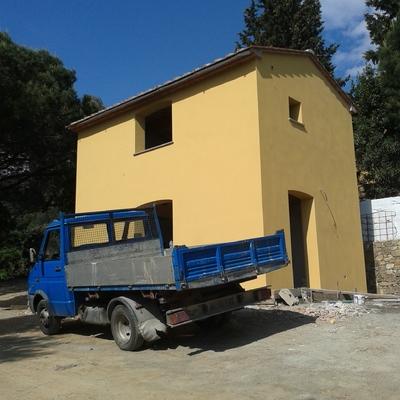ristrutturazione edificio con ampliamento  stato esistente