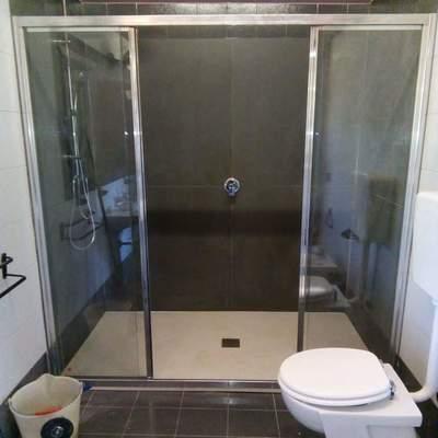 Trasformazione vasca in doccia.