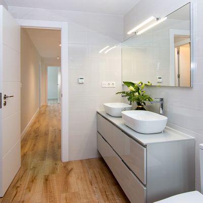 5 materiali inaspettatamente perfetti per il bagno